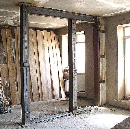 В Киеве остановили ремонт квартиры, который мог привести к обвалу здания